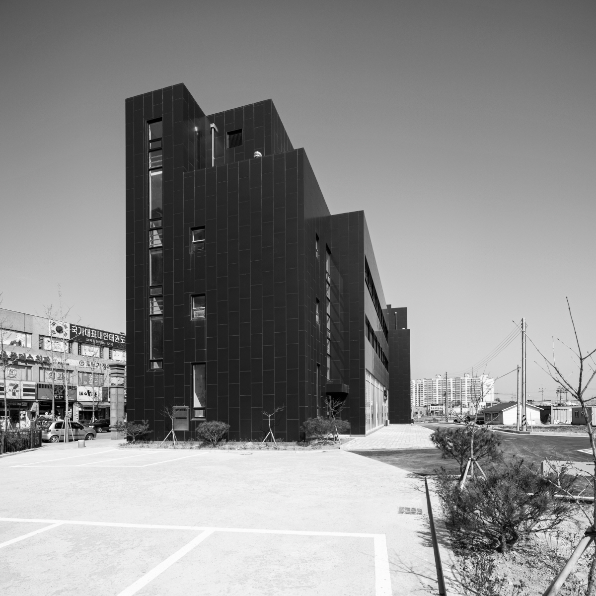 06.side view of the second building_Photo by Jungmin Seok