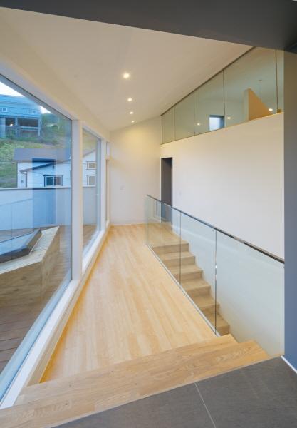 10.Upper Floor corridor1